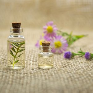 aromatherapy-bottles-close-up-672051 (2)